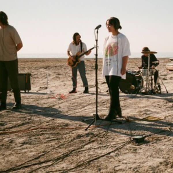 Death Bells bringen ihre Garage-Rock Romantik um die Welt